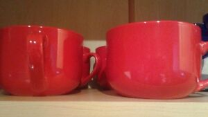 Generous-sized red coffee mugs (set of 4)