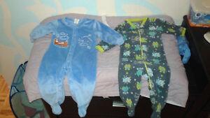 vêtements bébé garçon/pyjamas 6-12 mois