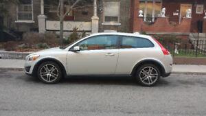 2011 Volvo C30 T5 –great shape, still under warranty