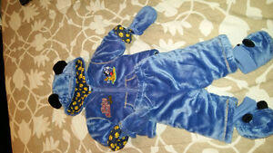 Never worn 0-3 m weather suit