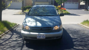 Selling Good Working Condition 1999 Toyota Sienna XLE