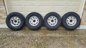 4 Cooper, Discoverer, 265/75R15 winter tires and rims