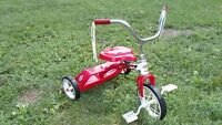 Tricycle Red Rocket en métal rouge et blanc