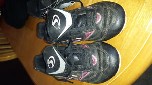 Children's soccer shoes
