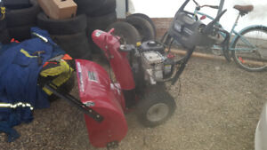 Sears craftsman snow blower like new in estevan