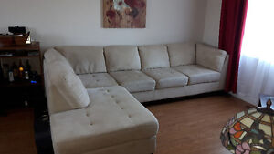 Sectional/L couch