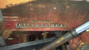 1955 B-250 Mccormick International Tractor with Loader