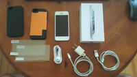 iPhone 5, 64 GB, White, Mint Condition locked to Bell, $300 obo
