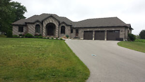 Beautiful Family Home!!! Country Property!