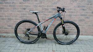 Giant Moutain Bike (XTC 29er Small)