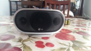 LG mini center speaker