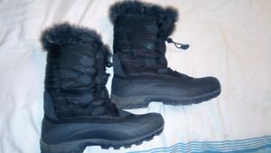 Womens size 11 winter boots kamik brand