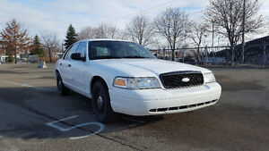 Ford Crown Victoria police pack p71 2011