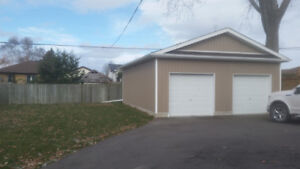 LARGE GARAGE FOR RENT - AVAILABLE IMMEDIATELY