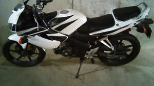 Beautiful White 2008 Honda CBR125R For Sale