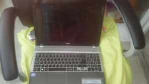 Acer Aspire V3-571-6769 Core i3 2328M @ 2.26GHz Laptop AS IS