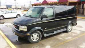 1995 GMC Safari Van AWD Full Load low km's