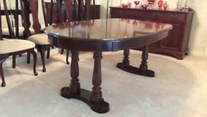 Oval Top Dining Table
