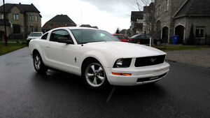 2007 Ford Mustang Premium Leather/Cuir Coupe (2 door)