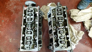 COMPLETE MATCHING FORD 4.6L HEADS FOR SALE OR TRADE !!!