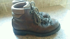 Mens walking boots Scarpa Bronzo Size 7