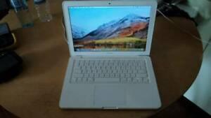 Apple Macbook 2010 Mac OS High Sierra 4 GB memory