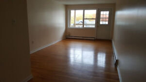 South End 1 Bedroom Apartment available immediately. $1,000.