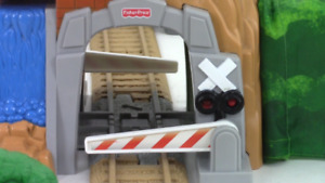 Plusieurs ensembles de trains GEOTRAX pour enfant.