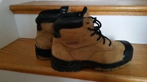 Dakota steel toe lady's boots
