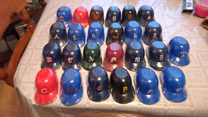 Vintage 1991 baseball helmets with cards in them 25 plastic helm