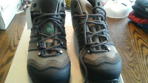 Work shoes csa approved steel toe and sole Hush Puppies