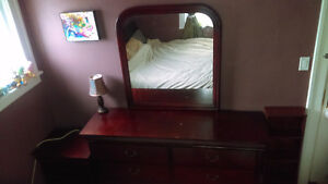 Cherry Wood Queen Bedroom Set & Jewelry Box