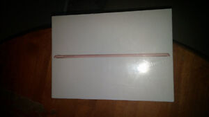 "Rose Gold iPad Pro 32gb 9.7"" Wi-Fi"
