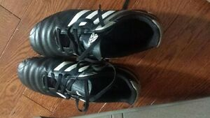 Soccer cleats-Male size 5