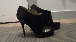 Ladies stiletto booties 7.5