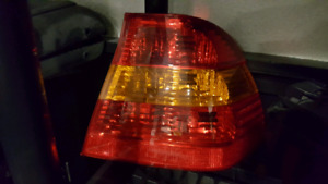 E46 02-05 bmw sedan passenger tail light