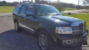 2010 lincoln navigator 138000km clean carproof