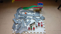 Thomas train set station with lots of tracks & more City of Toronto Toronto (GTA) Preview