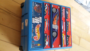 Hotwheels 100 cars holder..excellent condition