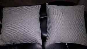 Couch pillows  Windsor Region Ontario image 3