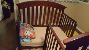 4 in 1 Crib/Daybed/Double Bed
