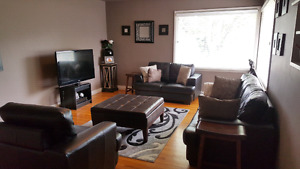 Showing Today - Bright Inner-city Duplex Includes Cable and Wifi