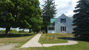 Spacious Farmhouse for Rent in Leeds and Thousand Islands