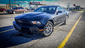 2012 Ford Mustang V6 Premium Coupe (2 door)