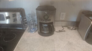 Small Home Appliances, Kitchen Utensils and Dishes For Sale