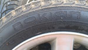 Pneus hiver nokian sur roues Bmw205/55/r16