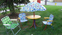 CHILDREN'S PATIO TABLE & UMBRELLA WITH MATCHING CHAIRS