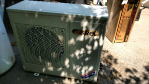 Ductless wall mount AC unit