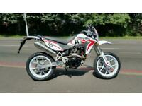 NEW SINNIS Apache SM 125cc Supermoto EFI E4 learner legal motorcycle commuter