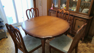5 piece dining table and chairs